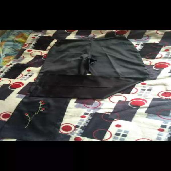 Vendo pantalon formal talla 8 negro