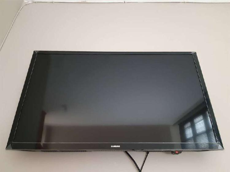 """TELEVISOR SAMSUNG SMART TV 32"""" FULL HDTV"""
