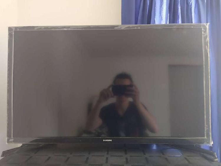 TV Samsung 32 pulgadas muy poco uso estado 11/10 Se entrega