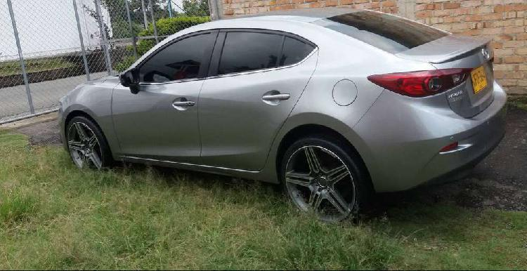 Lindo Mazda 3 Touring