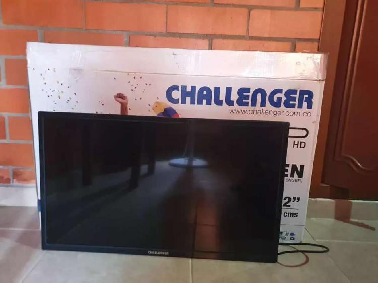 "Se vende televisor challenger 32"""
