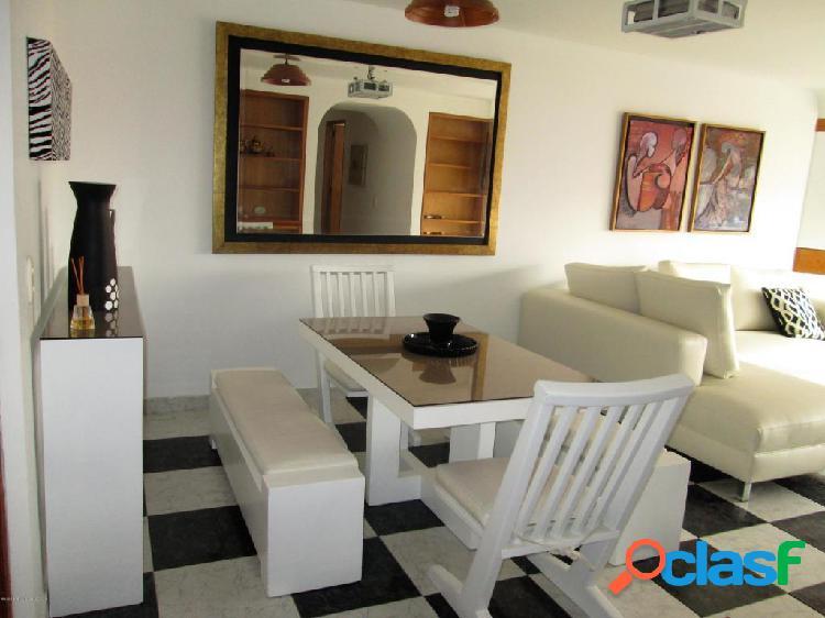 Apartamento en Arriendo Bogota EA COD:20-1028