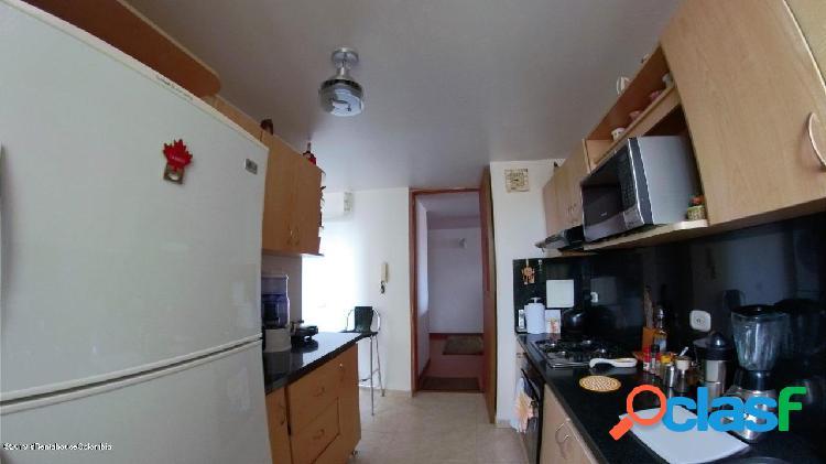 Apartamento en Venta Bogota EA COD:20-525