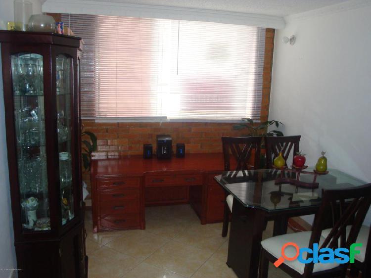 Apartamento en Venta Bogota EA Cod:20-310