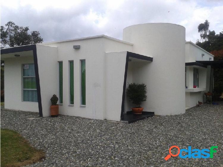 Casa en Venta en Loma del Escobero en Envigado