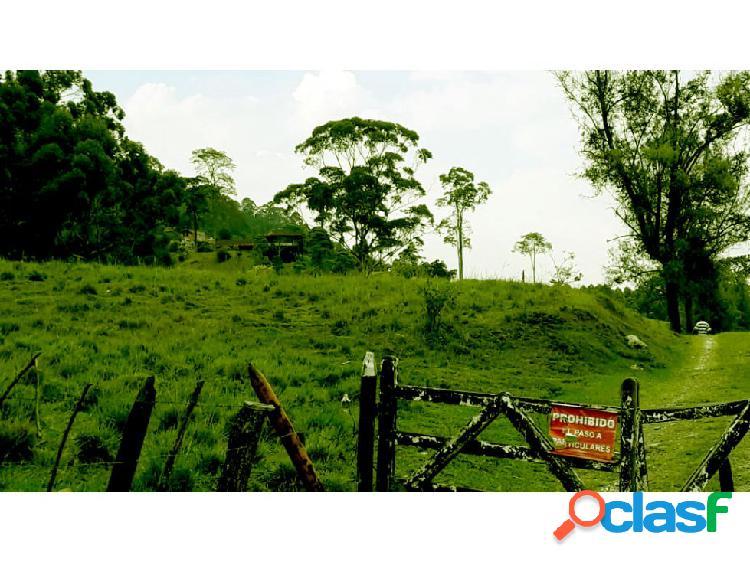 SE VENDE ESPECTACULAR LOTE EN CALDAS
