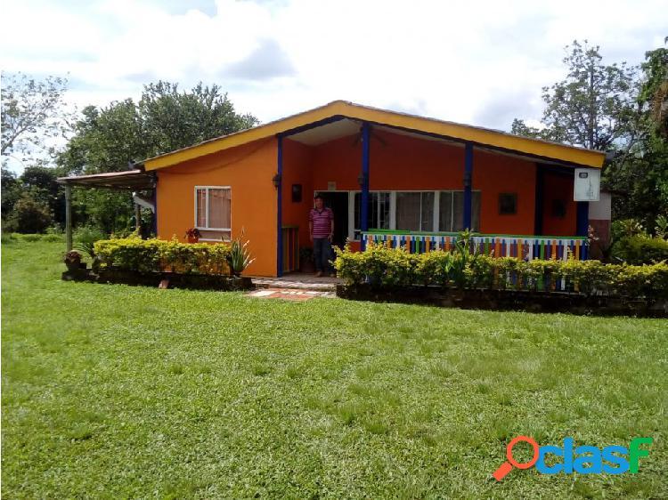 Se vende Casa Campestre Pueblo Tapao - Once casas