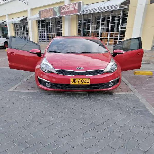 Vendo Kia Río modelo 2017 versión SUMMA full equipo