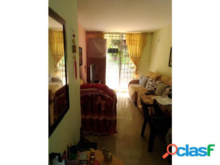 Venta Apartamento en Altos de Santa Elena 1350.