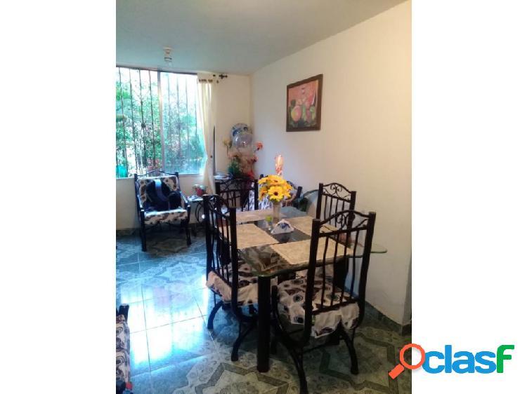 Venta Apartamento en Altos de Santa Elena 1370.