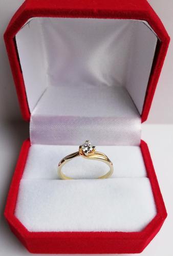 Anillo Compromiso Oro 18 K Diamante Certificado 0. 15 Ct.