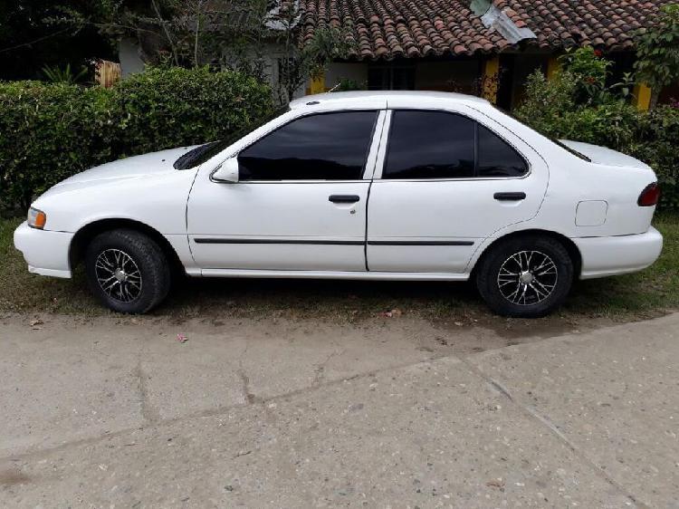 Se vende Nissan Sentra V14, modelo 98
