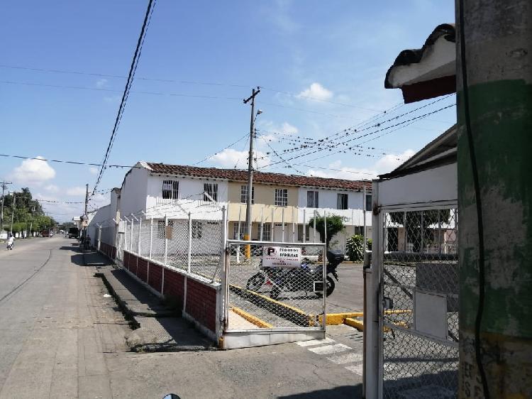 Venta de casa en Buga Barrio Sucre, conjunto cerrado ALAMEDA