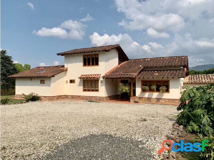 Hermosa casa Campestre en Parcelacion El Tambo