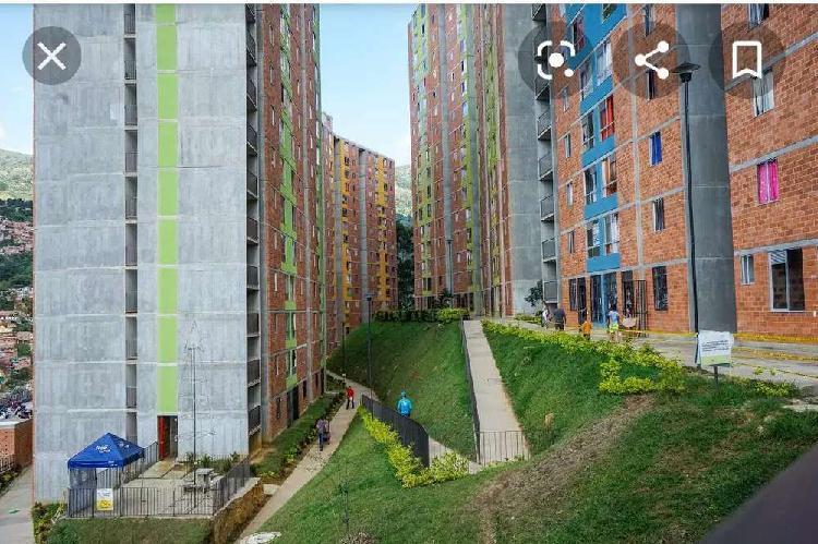 Se arrienda Habitación a mujer sola, urbanización bosque