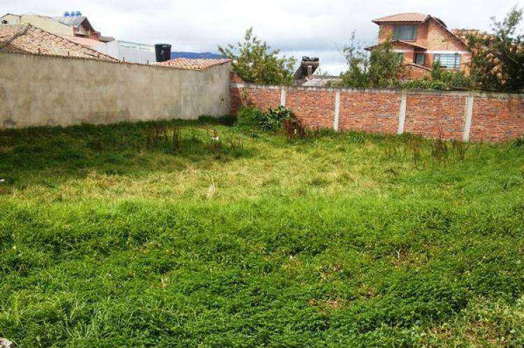 VENDO O PERMUTO LOTE CON VEHICULO EN GUALCALOMA Y CATAMBUCO