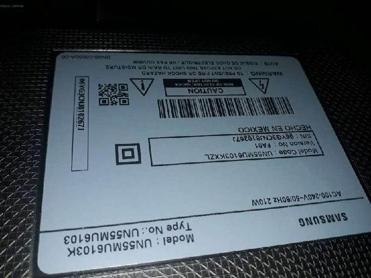 Vendo tv samsung UHD de 55'' para repuestos. Tiene dañada