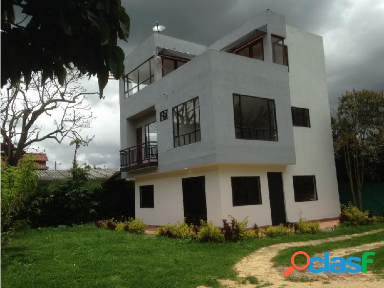 Casa Campestre en Cota ARRIENDO 2.100.000