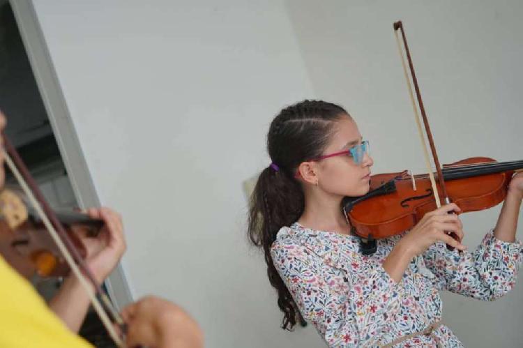 Clases de violín online para niños