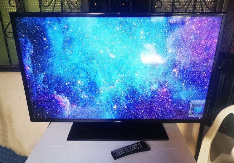 Se Vende TV LED Samsung de 42