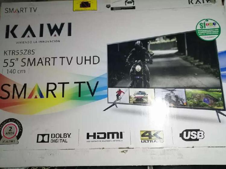 Se vende televisor smart tv de 55 pulgadas con solo 3 meses
