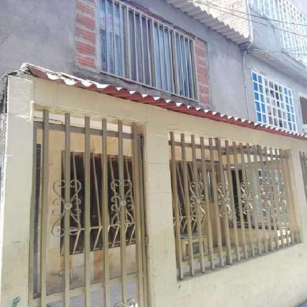 Vendo casa Bifamiliar ciudad córdoba peatonalL _