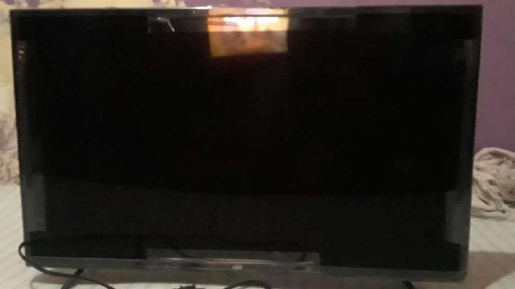 "Vendo tv smart tv de 32"" como nuevo"
