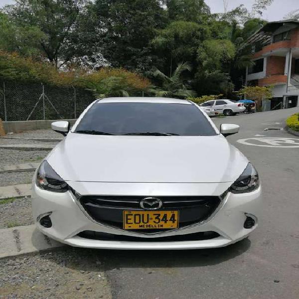 Se vende Mazda 2 Grand Touring modelo 2018 automatico color