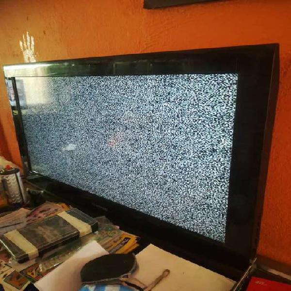 """Se vende tv Samsung 32"""" lcd viene con el control"""