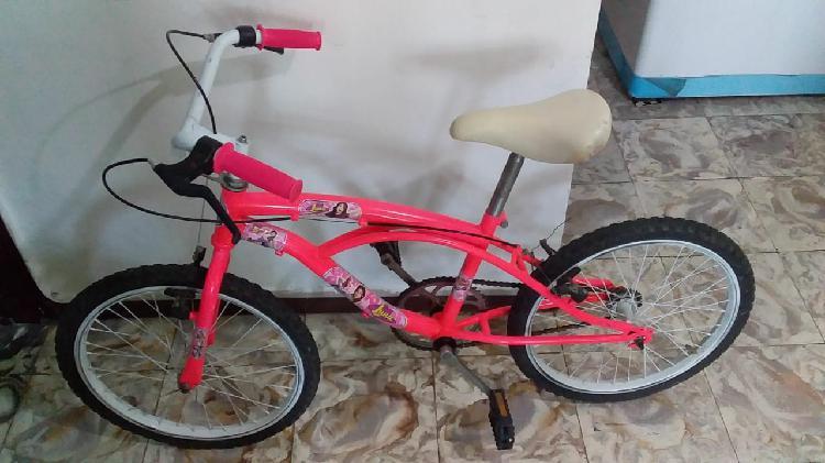 Vendo una bicicleta para niña