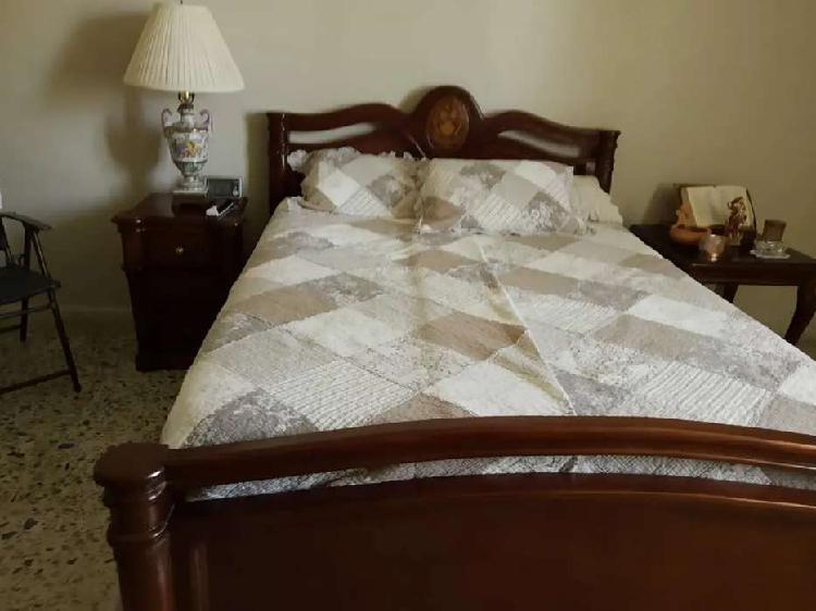 Vendo cama doble madera fina como nueva