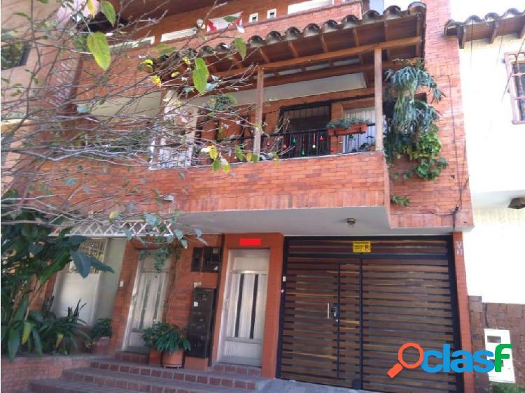 Venta casa independiente Belén Rosales, Medellín