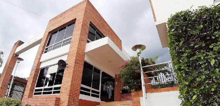 Casa para venta en Bucaramanga, sector Cacique. Conjunto