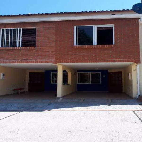 EN VENTA CASA ,QUINTAS DE CAÑAVERAL,FLORIDABLANCA
