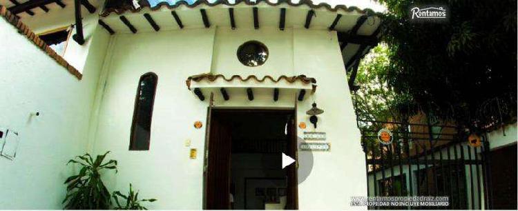 Casa En Arriendo En Medellin Aguacatala CodABRPR8740