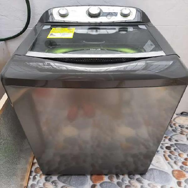 Se vende lavadora haceb 16kg lav m1605