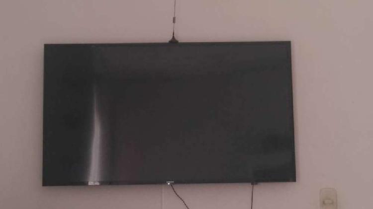 "Smart tv Samsung 49"" para repuesto. Pantalla rota"