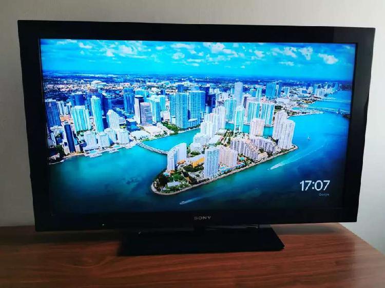 """Televisor Sony BRAVIA 42"""" incluye control y base de mesa LCD"""