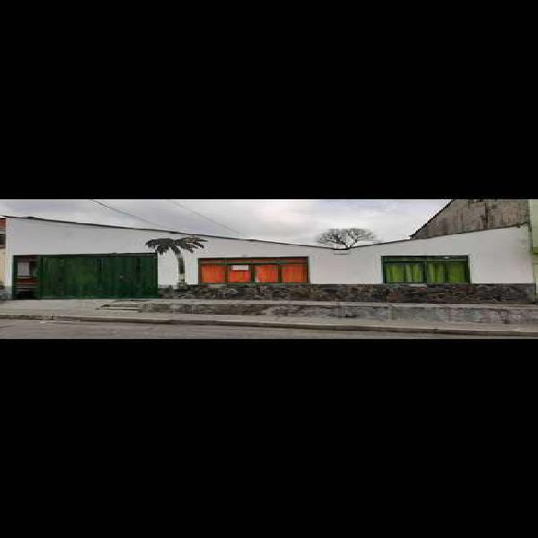 Se vende casa en el sector las Acacias