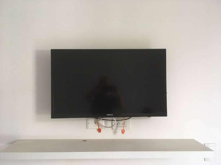 "TV Samsung 32"" LED"