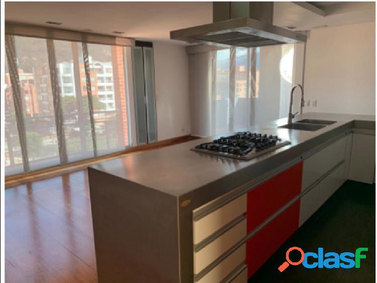 Apartamento duplex en venta, ubicado en Cedritos