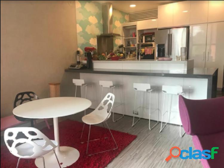 Apartamento duplex en venta, ubicado en Chico Reservado