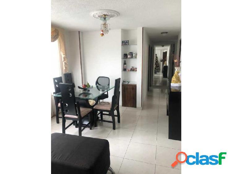 Apartamento en Paseo de Los Almendros (K.D)
