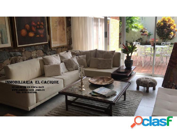 CASA EN VENTA EN LAGOS DEL CACIQUE -4.400 M2-CÓDIGO (454)