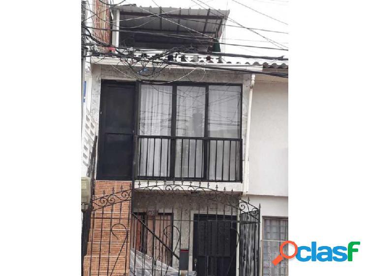 Casa Brisas de los Andes vehicular 3 pisos independientes