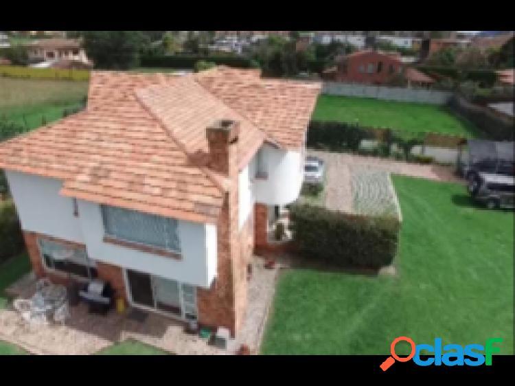 Casa lote en venta, ubicado en Chia