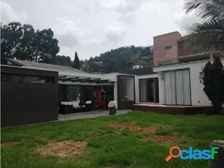 Excelente casa en venta en Envigado, Loma del Escobero