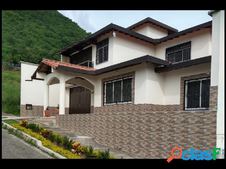Maat vende casa en San Gil, Santander, 400m2 $480 Millones