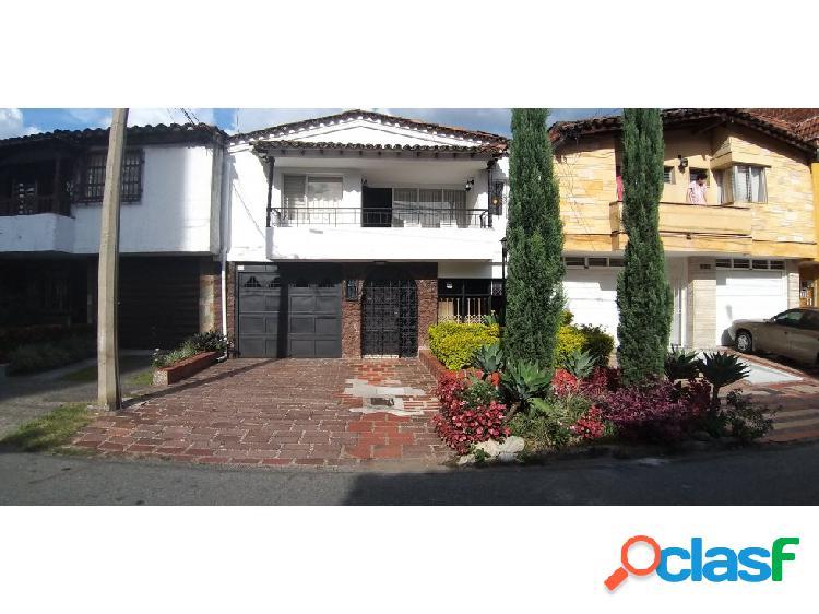 Se vende Casa Lote en Laureles Simon Bolivar
