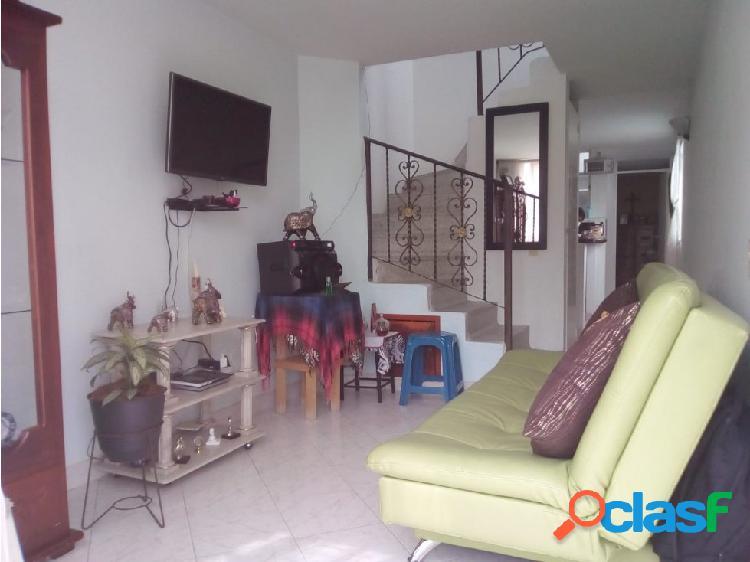 Se vende Casa en Robledo – Santa maría